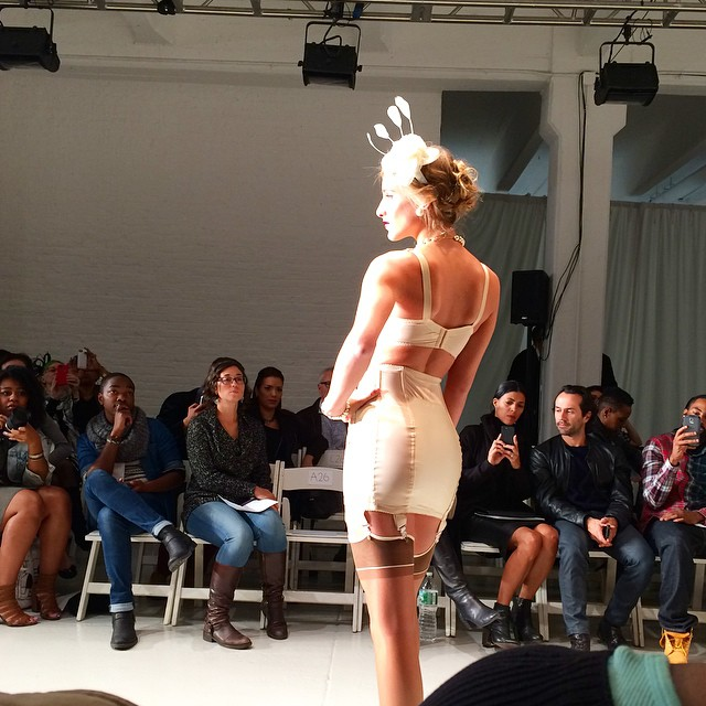 Loving the vintage feel of fascinators and pearls at The @lingeriefashionweek Secrets of Lace show. #style #fashion