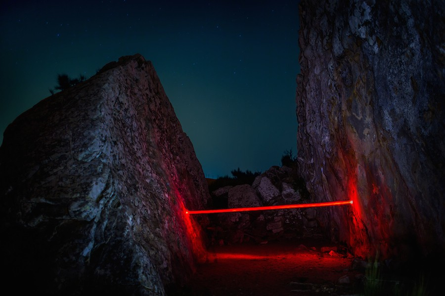 mysterious-red-lights-installations-in-spain-3