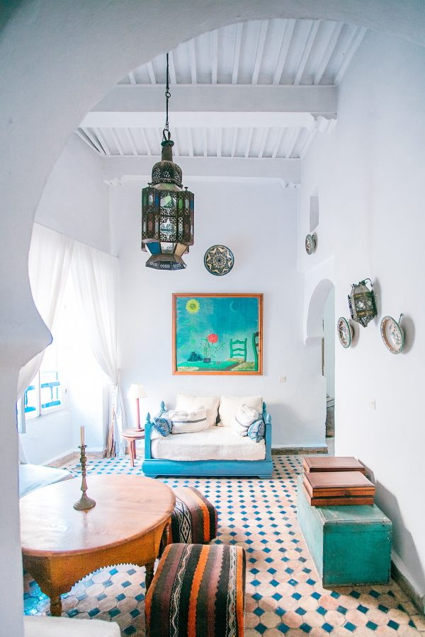 ways-to-add-personality-to-your-apartment